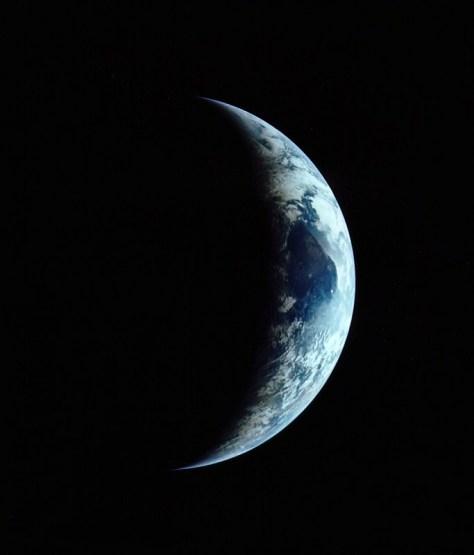 Quarto di Terra crescente durante il viaggio di ritorno