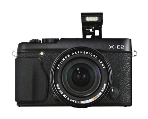 X-E2_Black_Front_18-55mm_Strobo-r78
