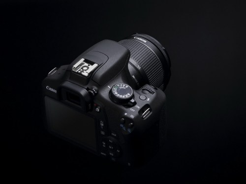 EOS1200D_BEAUTY_BCKTOPs