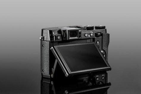 X30_Black_Tilt-s