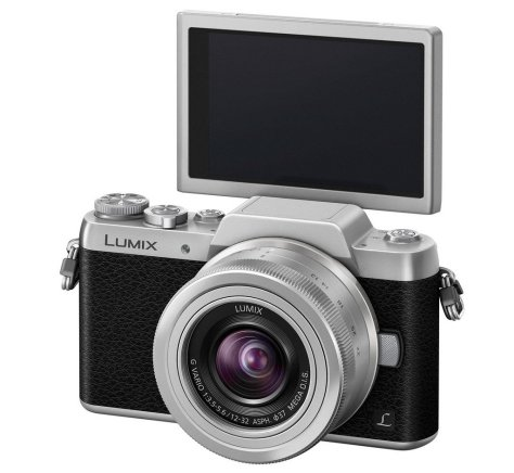 GF7s_slant_H_FS12032_s_LCDs