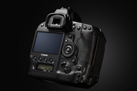 EOS-1D X Mark II BK BEAUTY 02
