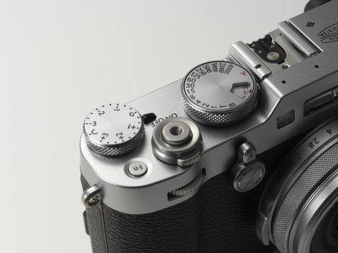 x100f_silver_image02